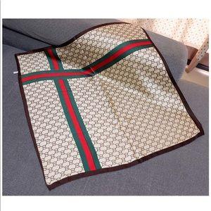 Gucci printed high quality scarf!